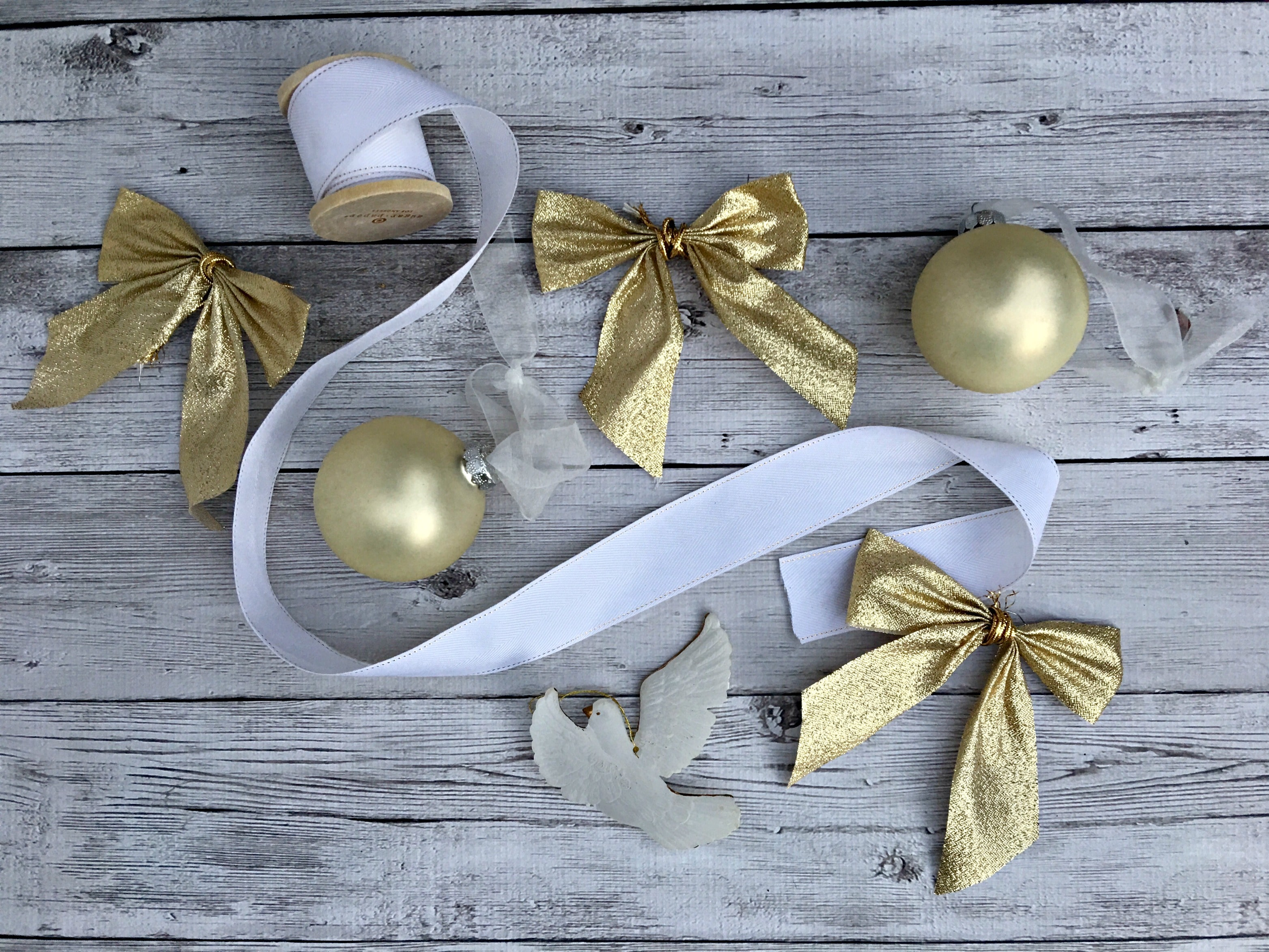 Christmas Decorations ribbons
