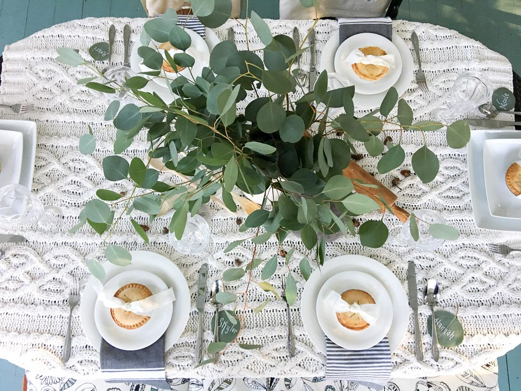 hygge thanksgiving table design