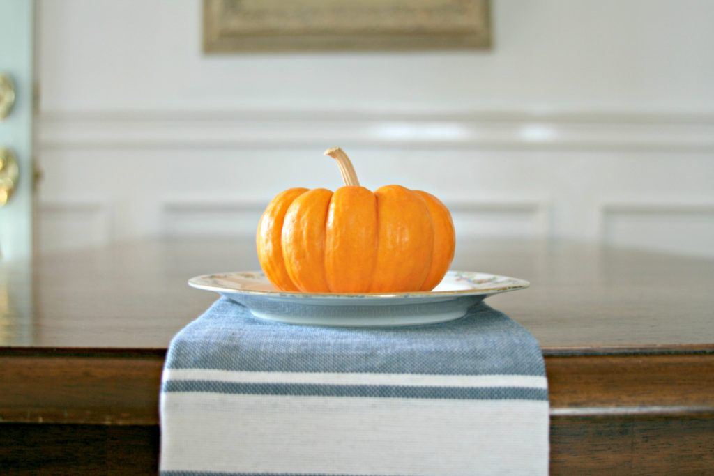 Small Pumpkin table decor