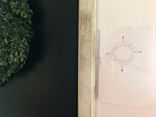 Art design to go around a boxwood wreath on a chalkboard