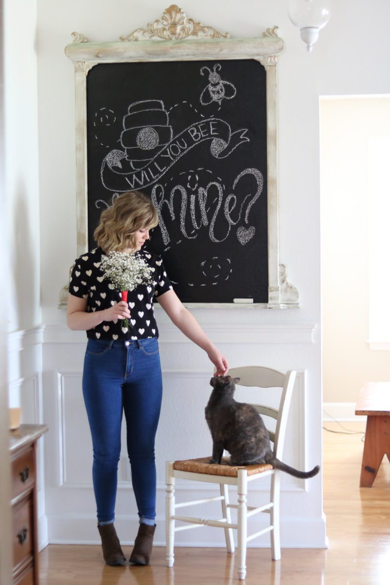 Valentine's Day Chalkboard Messages with a design that says will you bee mine