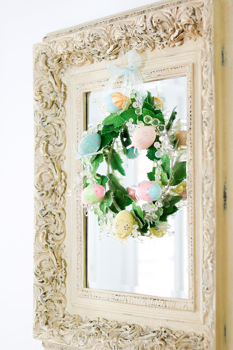 EASTER HOME DECORATIONS FANCY EGG WREATH
