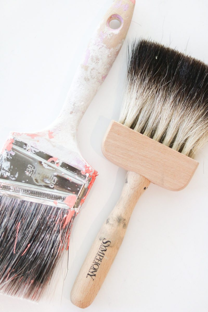 Best paintbrushes by Sherwin Williams and a faux brush by Symphony.