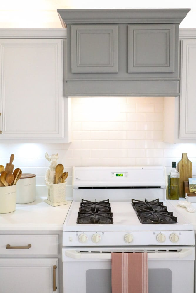 Paint cabinets is a cheap way to change the look of your kitchen