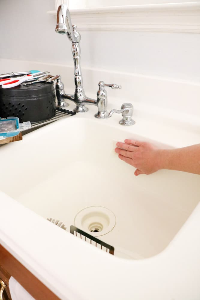 How to clean your kitchen step-by-step