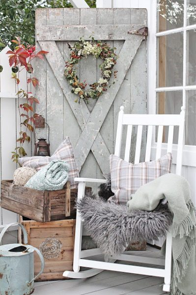 Fall Porch Design blankets