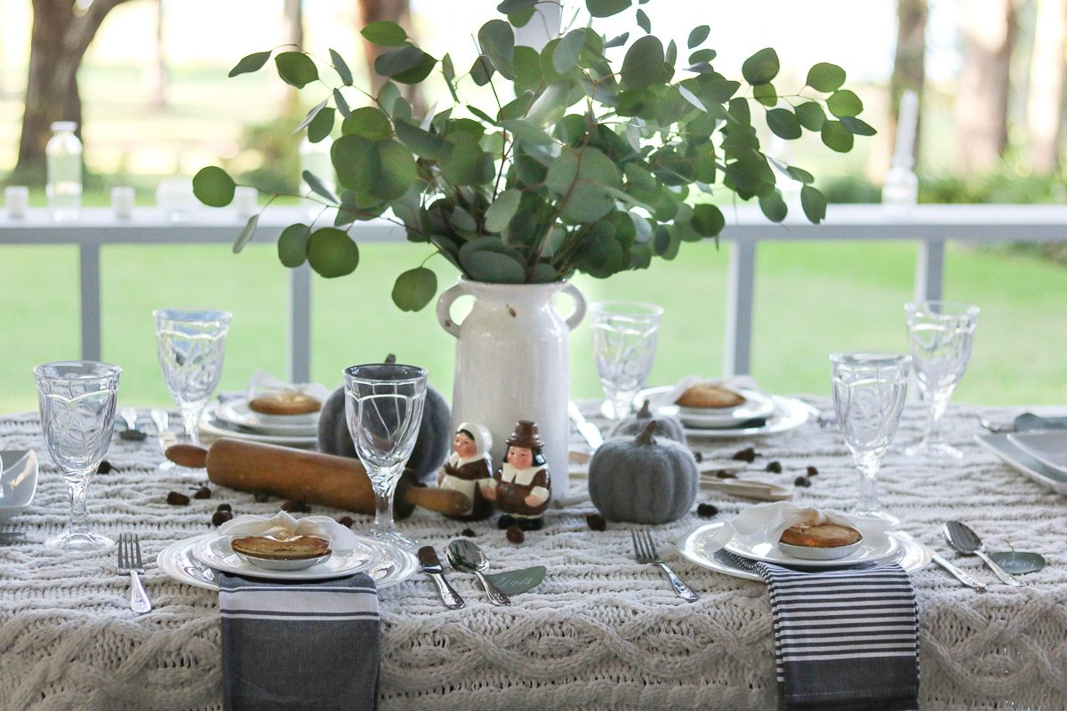 hygge thanksgiving table centerpiece