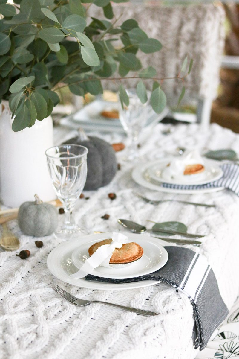 hygge thanksgiving table napkins