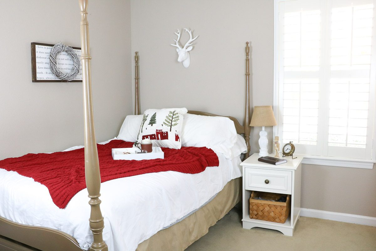 Winter wonderland bedroom red
