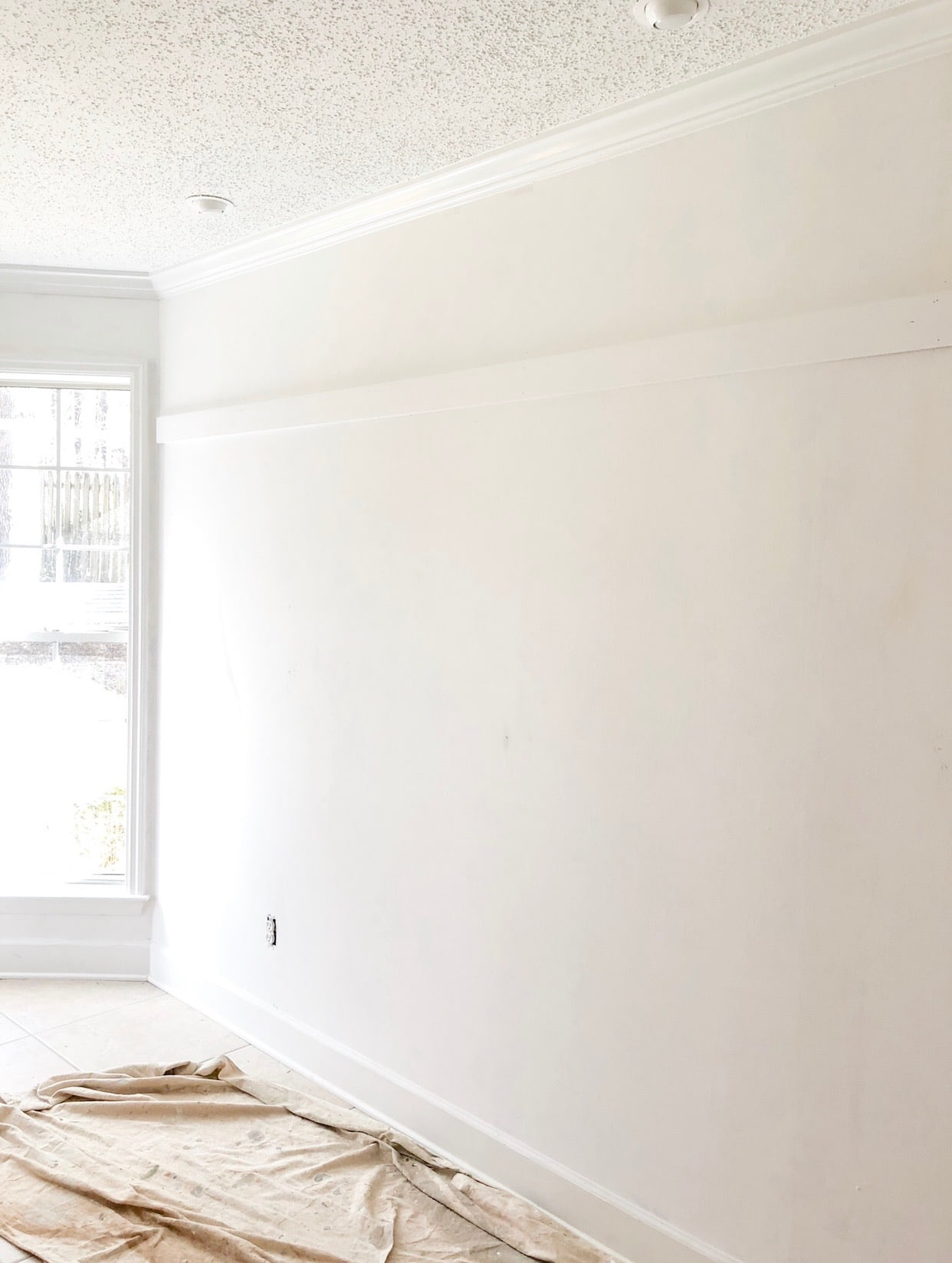 diy farmhouse style wainscot trim