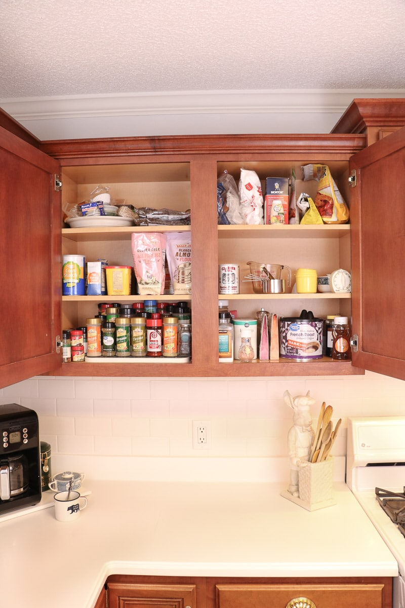 kitchen zone organizing baking zone