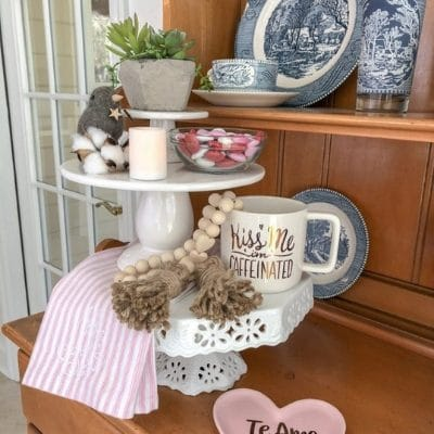 STYLING TIERED TRAYS THAT WILL MAKE YOUR VALENTINE DAY