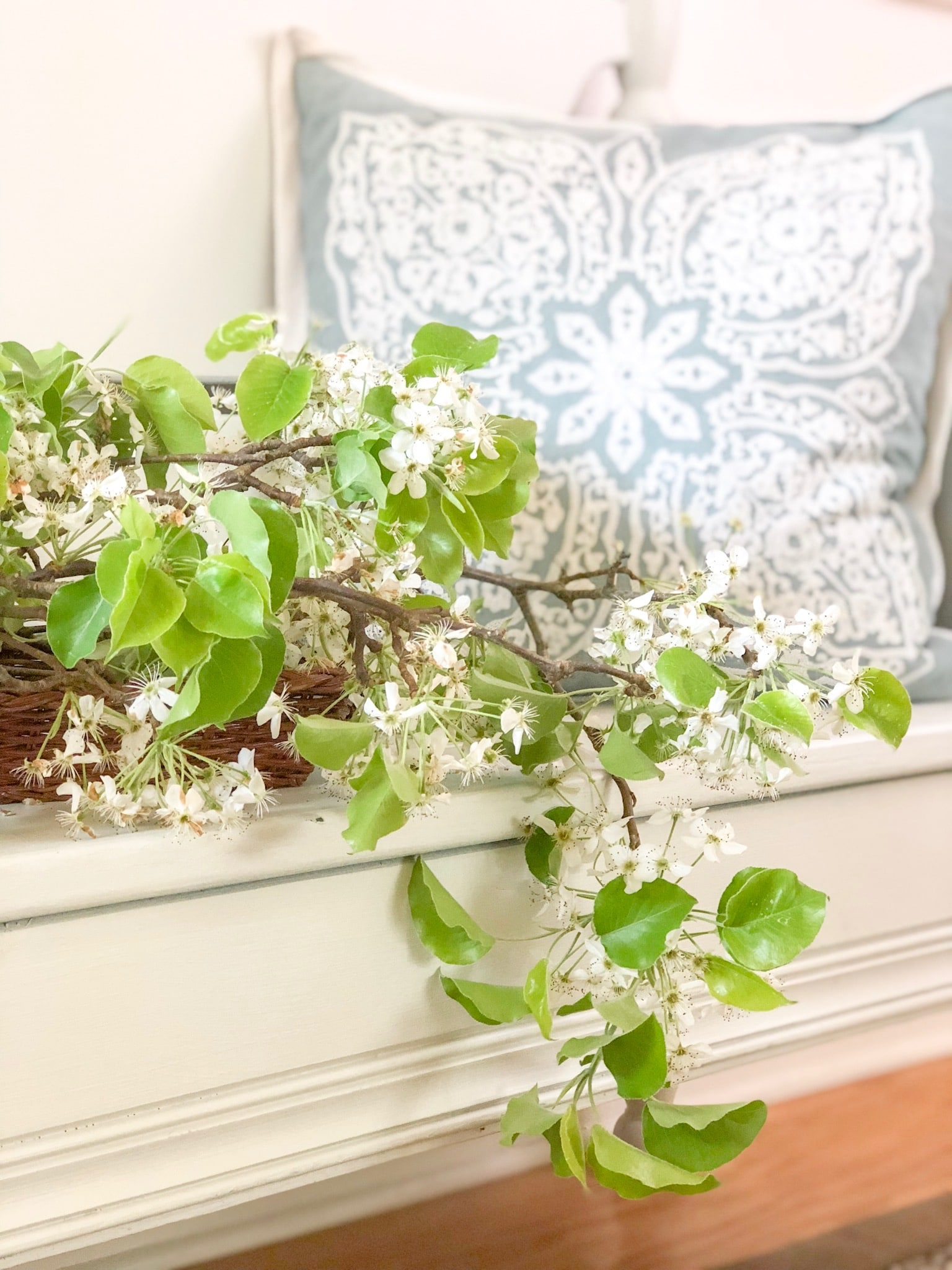 spring decor that will brighten