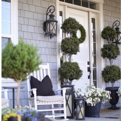 CURB APPEAL MAKES AN IMPORTANT LASTING FIRST IMPRESSION