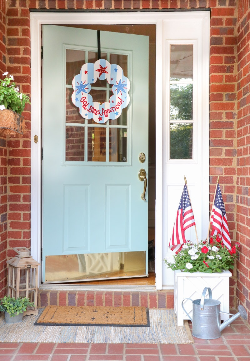 4th of July decorating ideas on a small front porch
