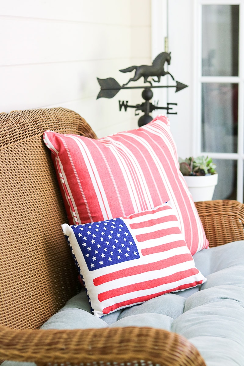 4th of July decorating ideas on the back porch with patriotic pillows
