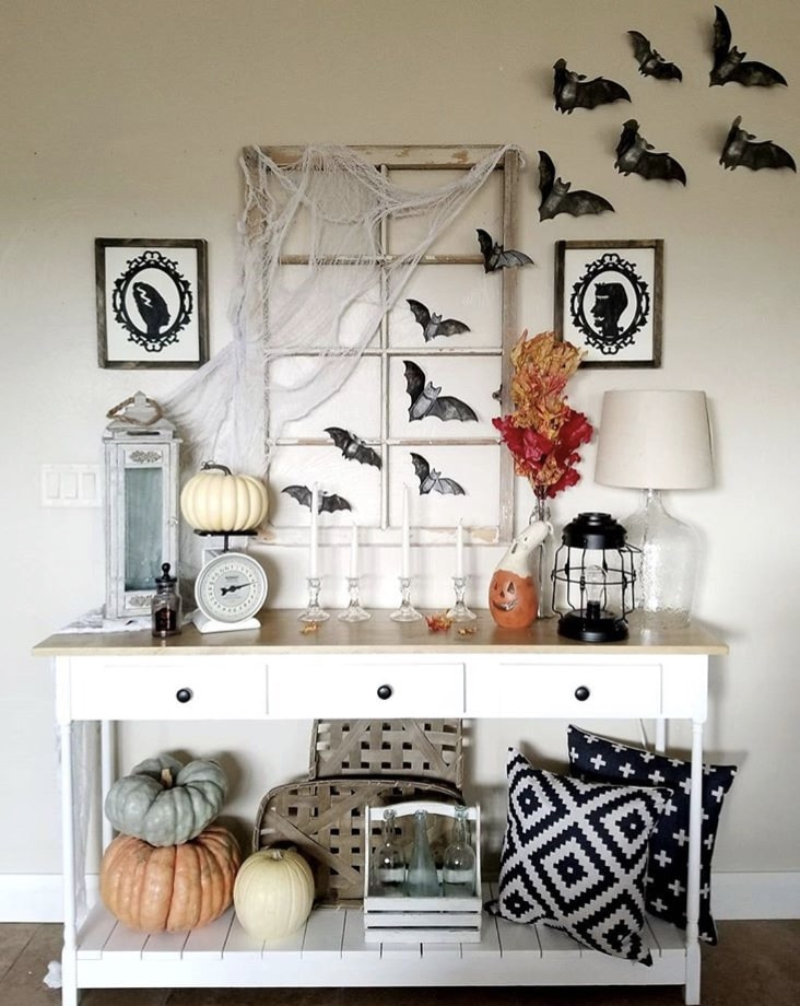 Country Halloween Decor from Craft Me Up Decor With Bats, Silhouettes, Pumpkins, Ghosts & A Vintage Window