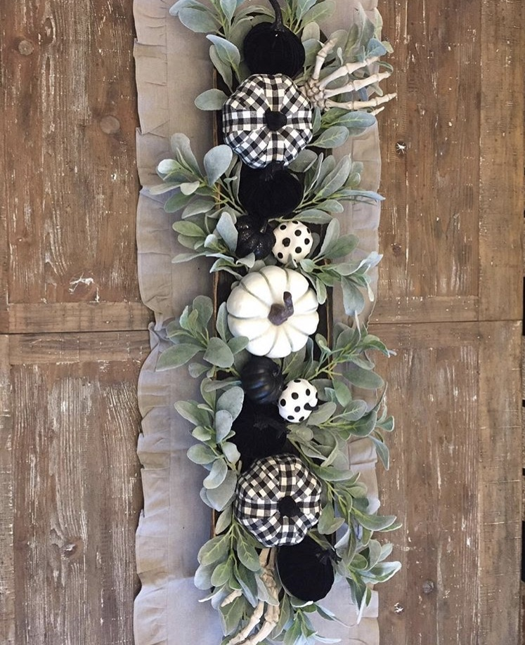 Classy country Halloween Decor from X O Rita 87 Dough Bowl, Burlap Table Runner, Black & White Pumpkins and Skeletons