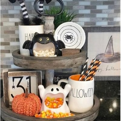 COUNTRY HALLOWEEN DECOR THAT'S BETWEEN SPOOKY & SPECTACULAR