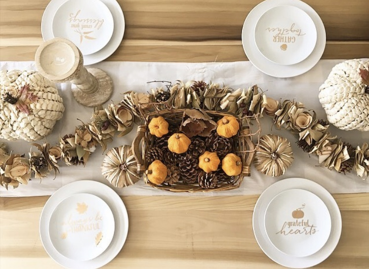 Thanksgiving Tablescapes by Salandro's Nest with pumpkins and garland
