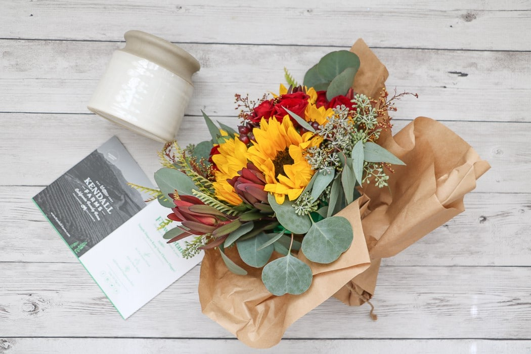 Thanksgiving table decorations diy flowers by Kendall Farms