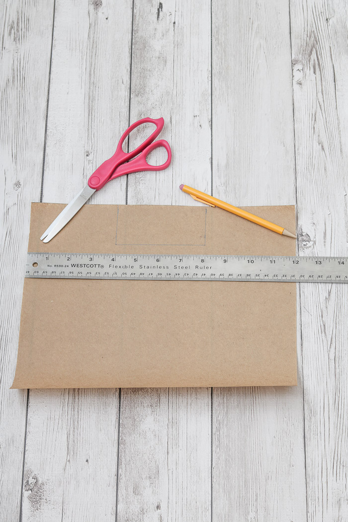 Measure top of craft paper for Thanksgiving table decorations DIY