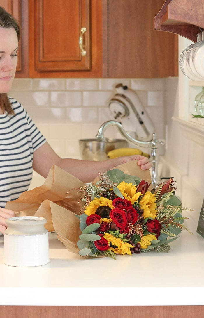 Thanksgiving table decorations DIY flower prep