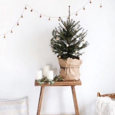 MINIMALIST CHRISTMAS DECORATIONS THAT BRING IN THE MERRY SEASON