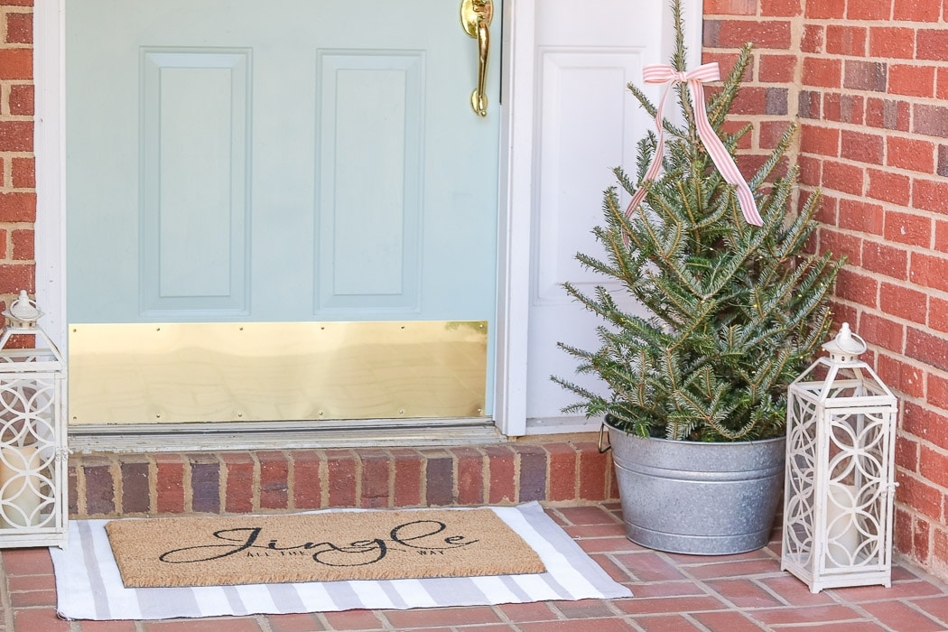 Christmas decorating ideas for front porches farmhouse style