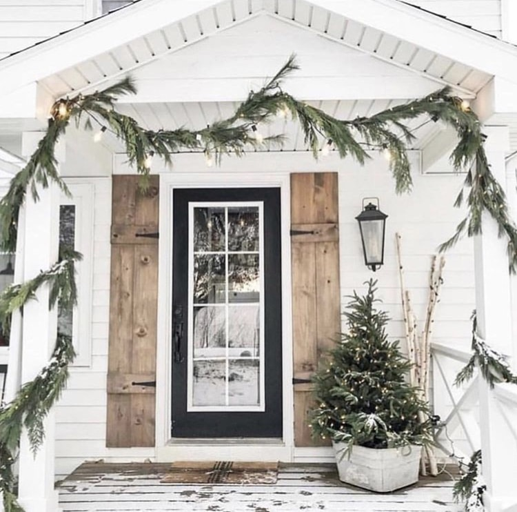 Christmas Decorating Ideas For Porches by Proverbs Thirty One Girl Swigs of Greenery