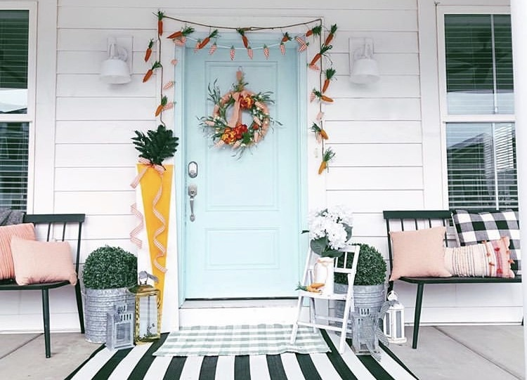 Front Porch Decorating Ideas by Tater Tots & Jello with carrot garland