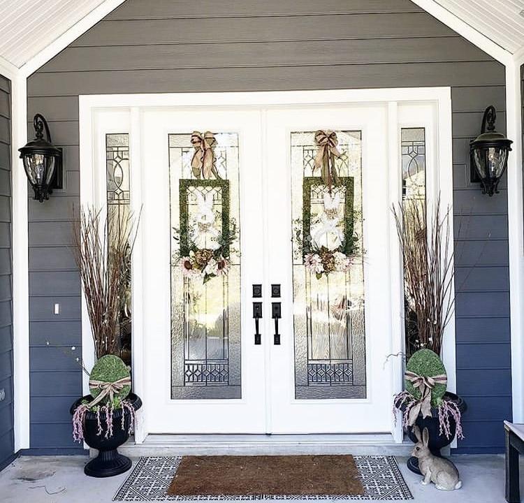 Decoration ideas for the veranda by Kimberly Blatchford with rectangular rabbit wreaths