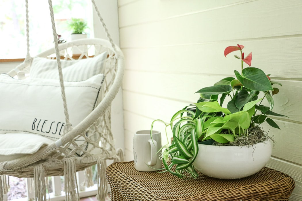 SCREENED IN PORCH DECORATING IDEAS | LIFE ON SUMMERHILL