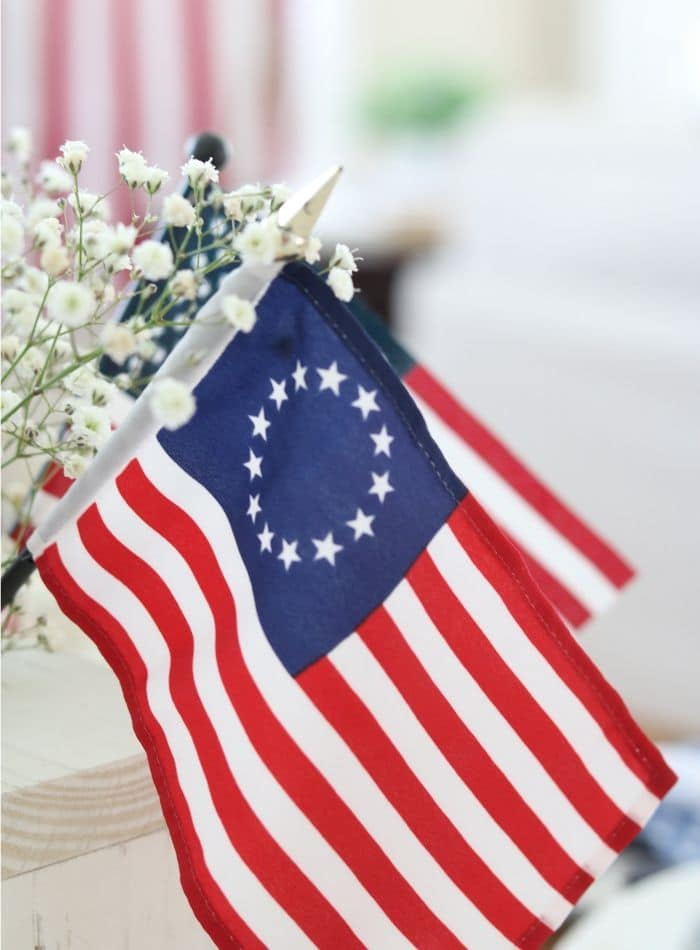 4th of July tablescape with Betsy Ross flags
