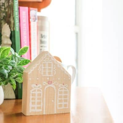 Valentine wooden gingerbread house DIY