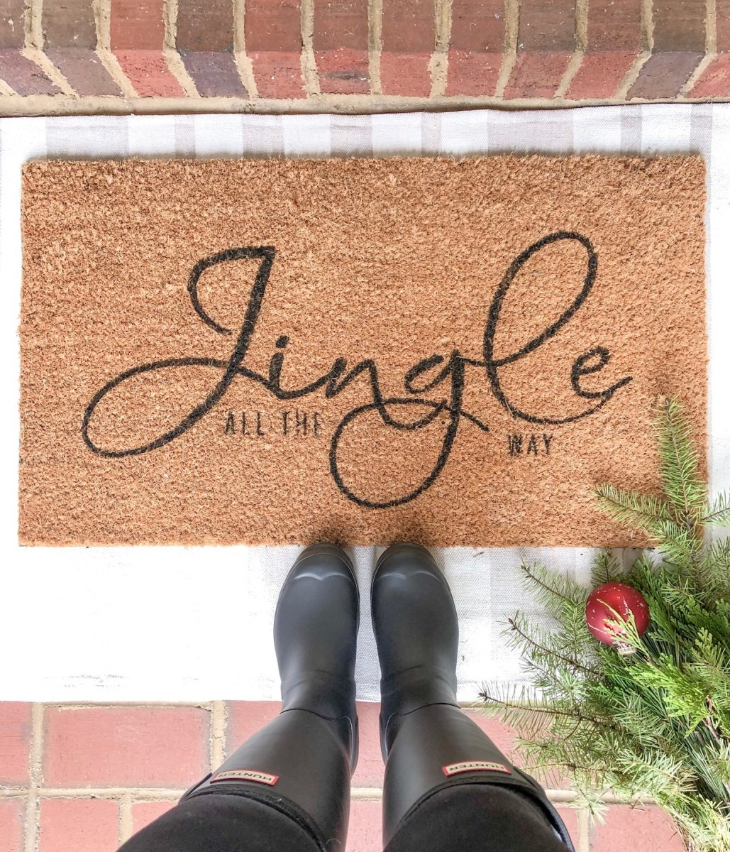 Christmas layered rug idea for your front porch