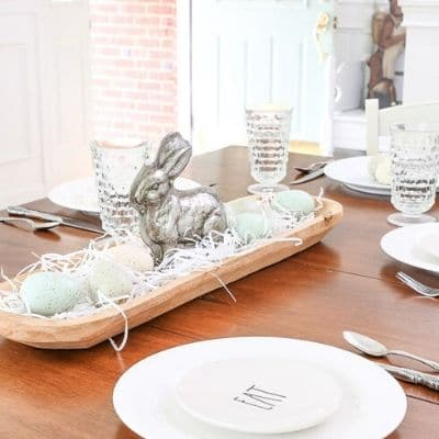 Easter place setting and centerpieces