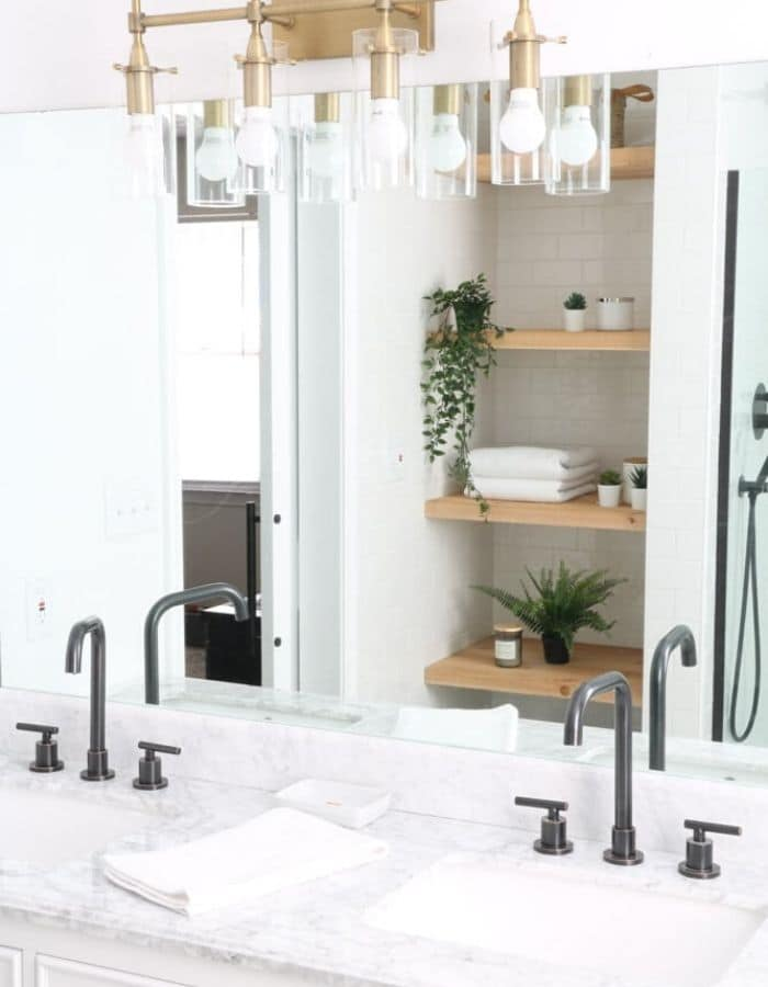 Small Farmhouse Bathroom Ideas With A Minimalist Touch
