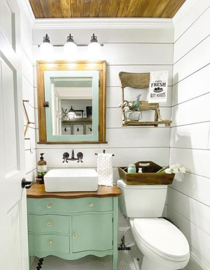 Tiny bathroom with a pop of color from 3 Acre Homestead