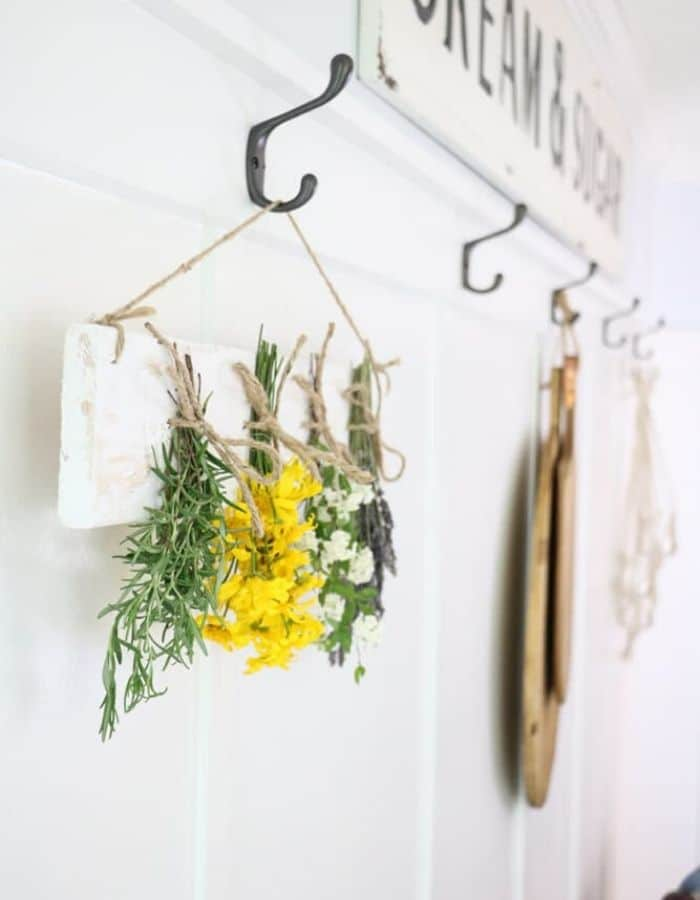 DIY dried flower wall hanging