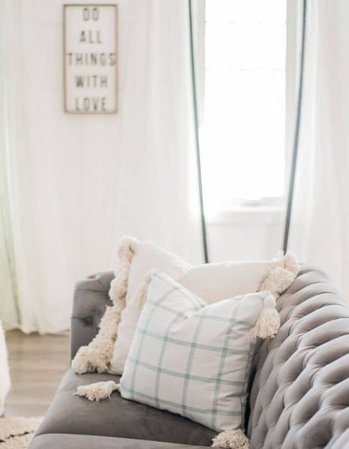 TASSEL PILLOW COVER by The DIY Mommy