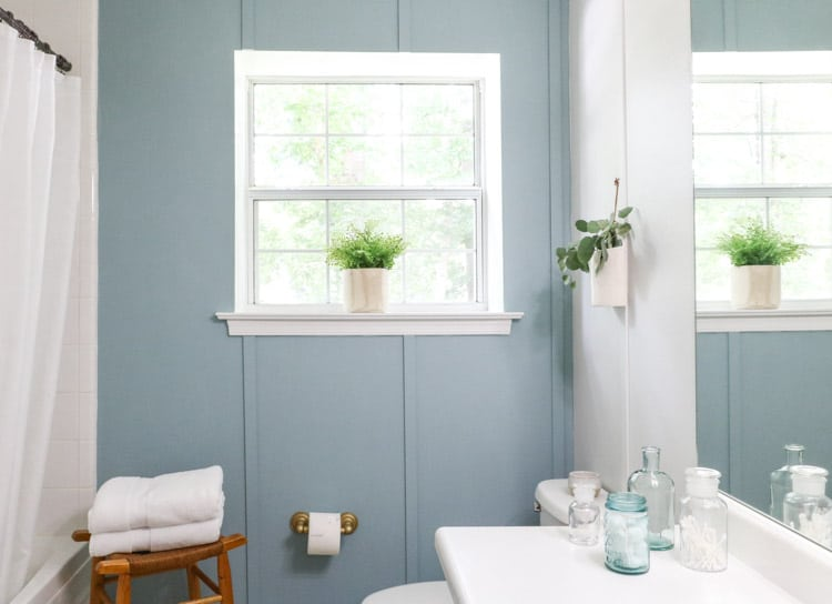 How to paint over wallpaper using primer, paint and lattice trim