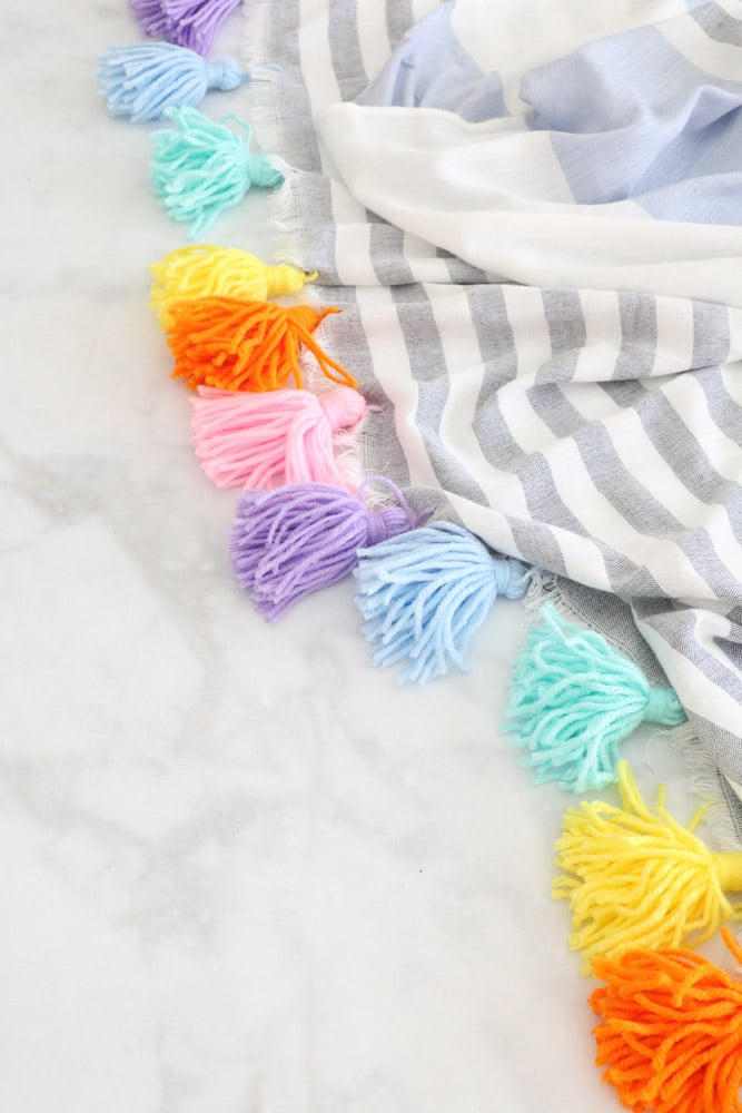 How to make yarn tassels for a tassel blanket