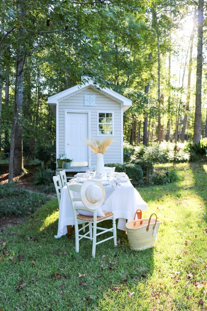 Thanksgiving dinner table ideas for outdoors