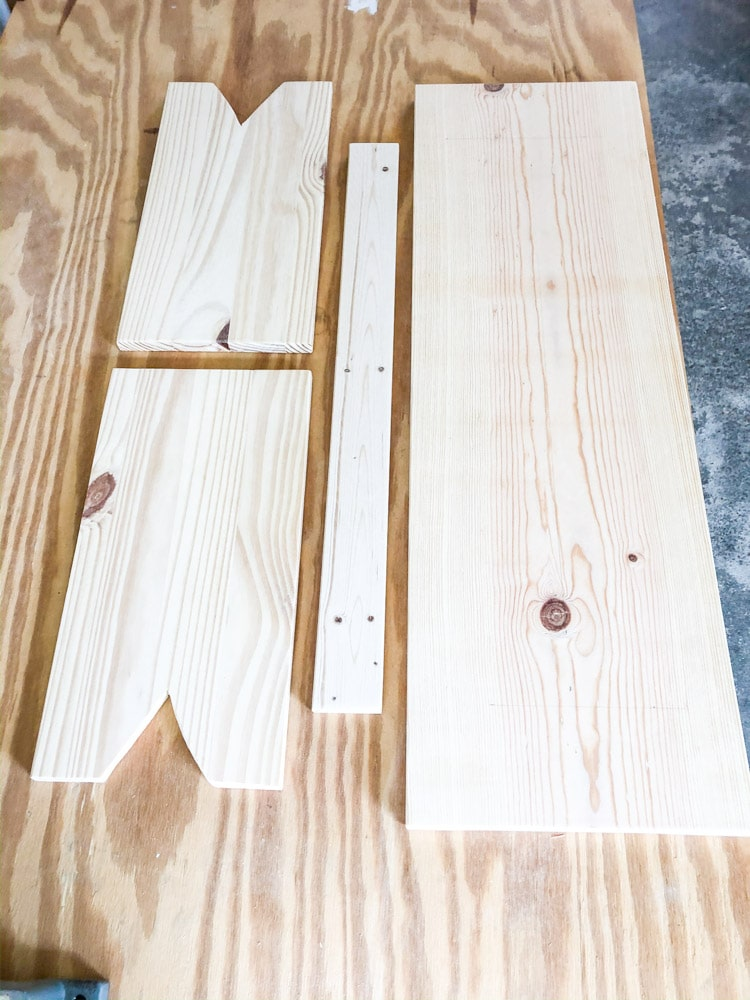 Cut wood pieces for a easy DIY wood bench.