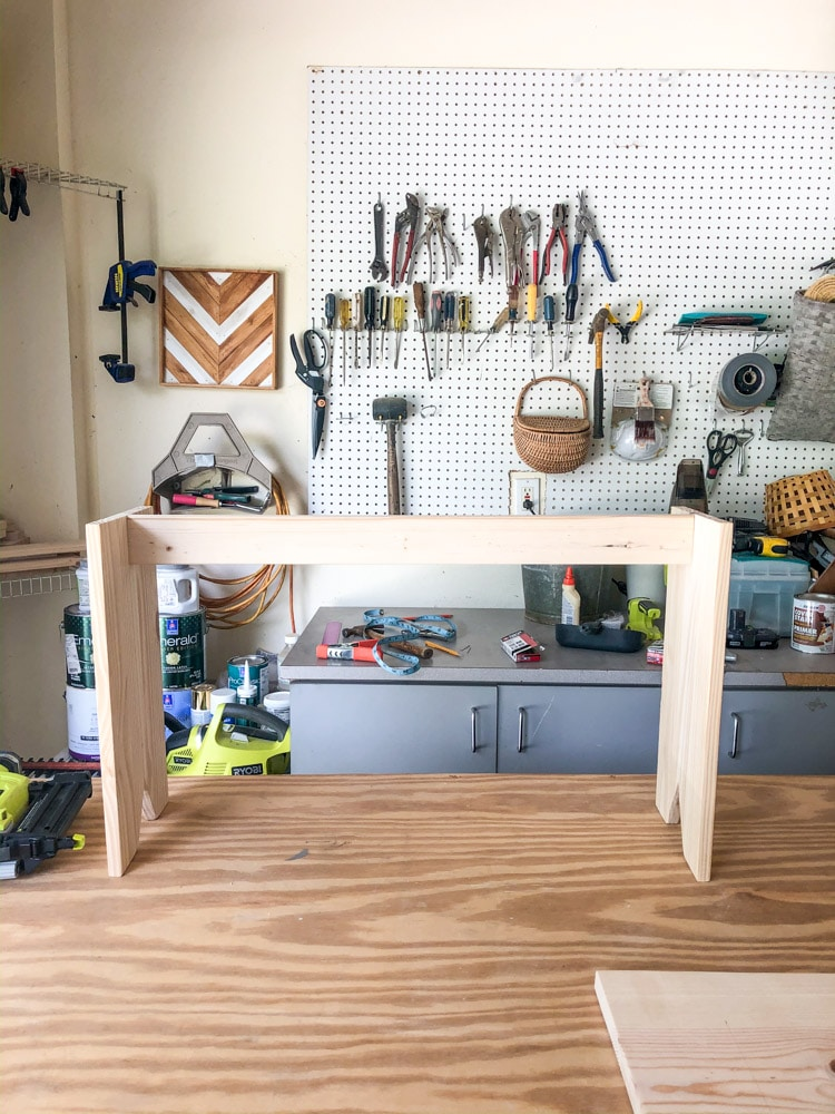 Base of a simple bench DIY