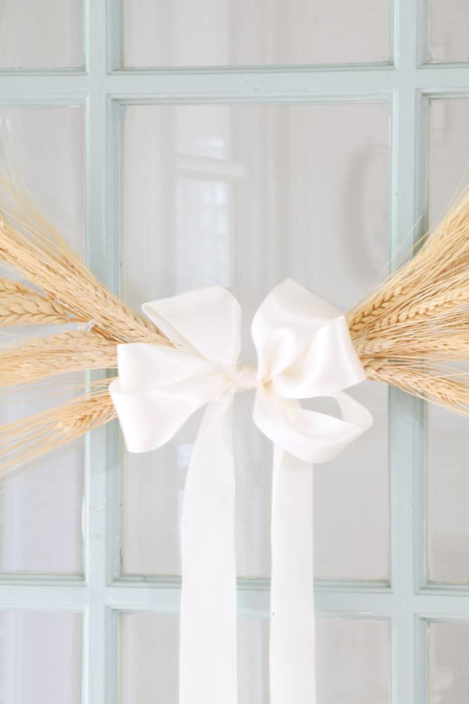 Simple dried wheat wreath DIY