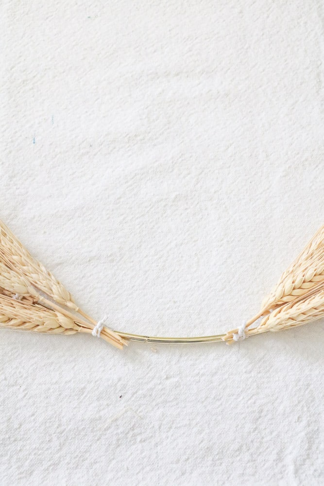 Dried wheat wreath DIY minimalist
