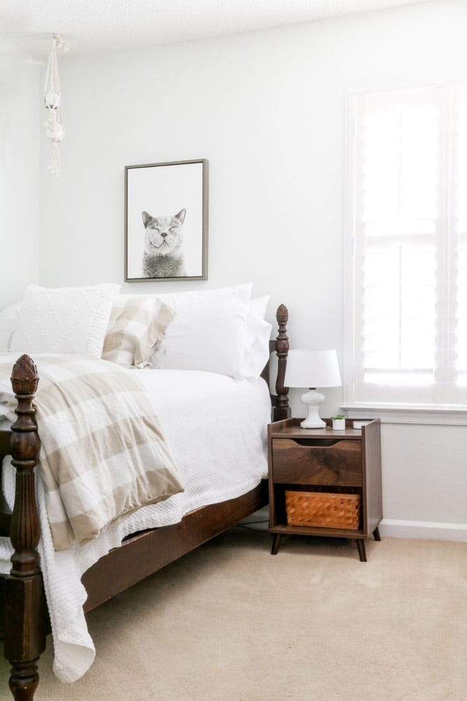 Guest bedroom paint color extra white
