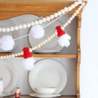 Winter hat yarn Santa garland